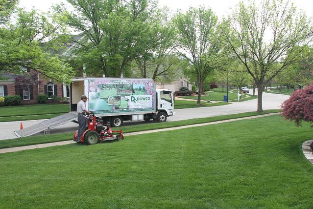 Chesterfield MO Lawn Mowing Services