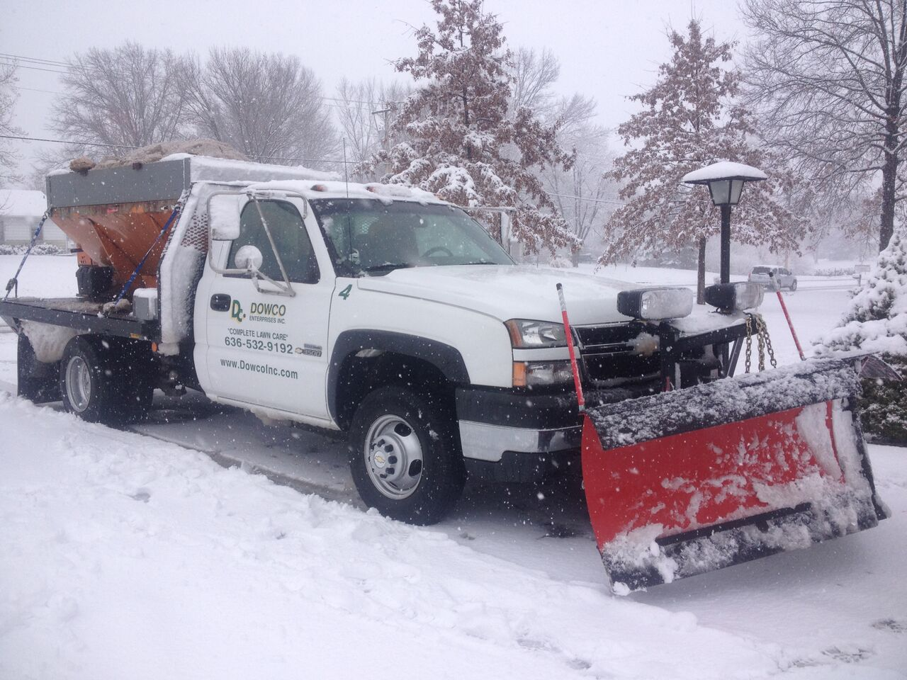 Residential_Snow_Removal_Chesterfield_MO.jpg